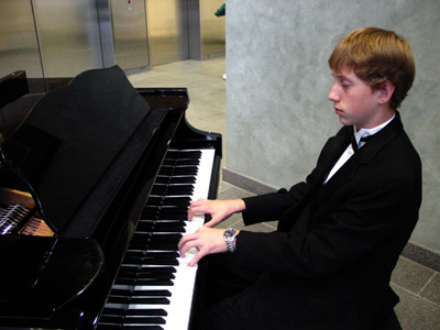 Prodigy Piano Player