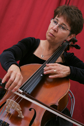 Woman cellist image