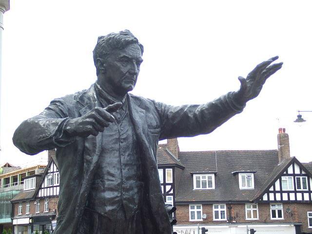 Ralph Vaughan Williams statue, Dorking, UK (image)