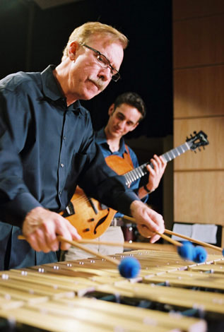 Gary Burton on vibraphone (image)