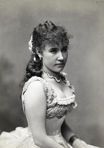 Bianca Bianchi as Violetta Valery in Verdi's La Traviata (image)