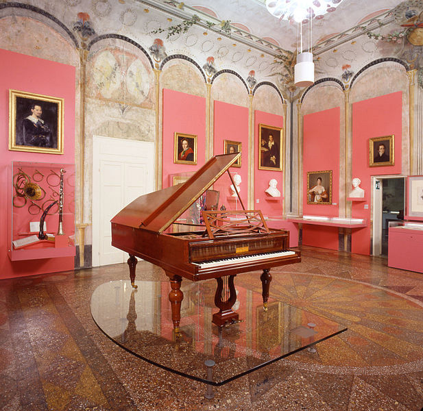 Rossini's grand piano and Rossini memorabilia (image)